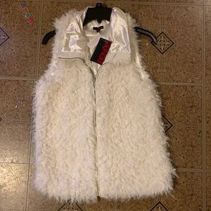 Bongo Cream Faux fur vest NEW